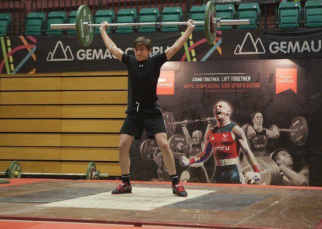 Youth male lifting in Gemau Cymru 2018